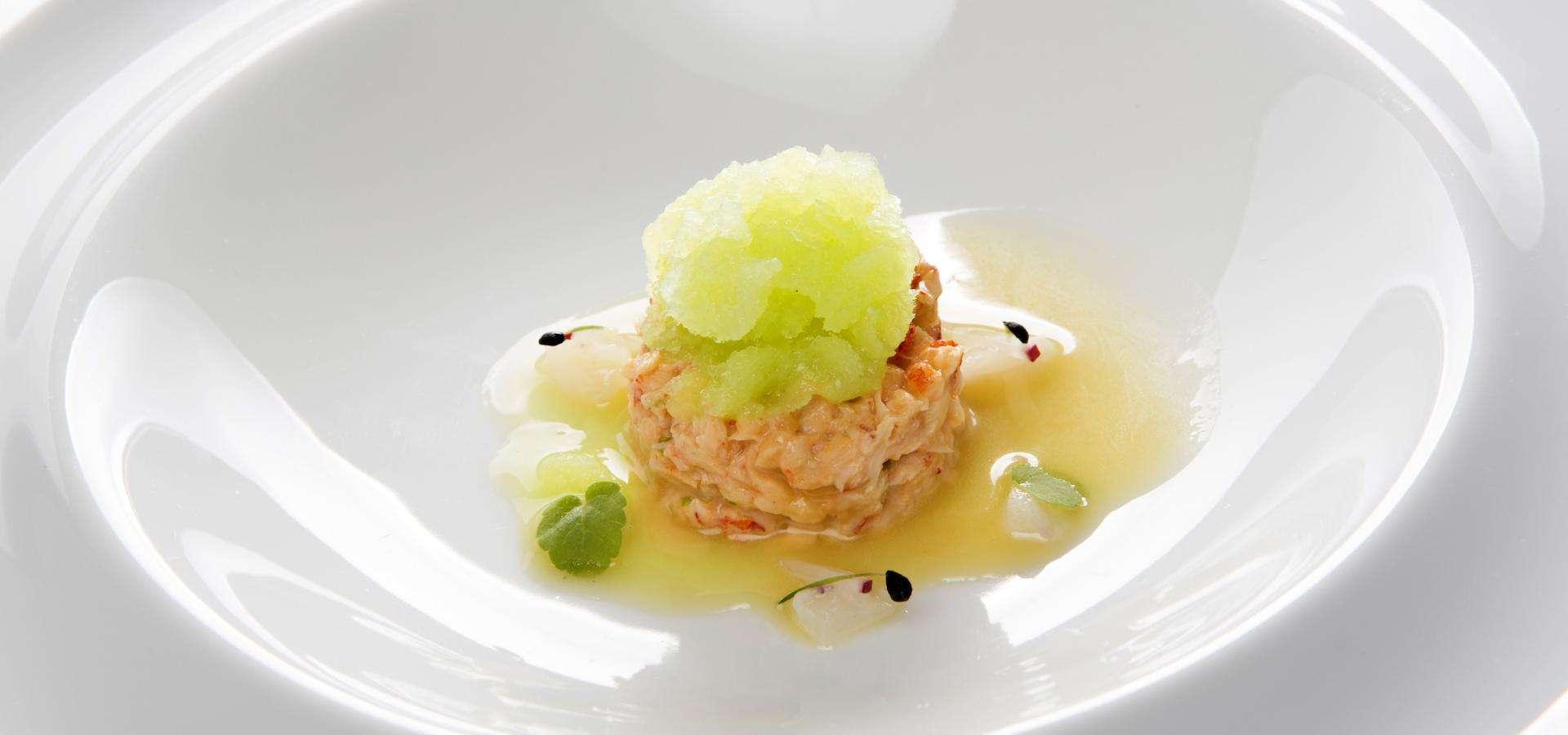Crab -Tartar mit Ahornsirup und Litschi