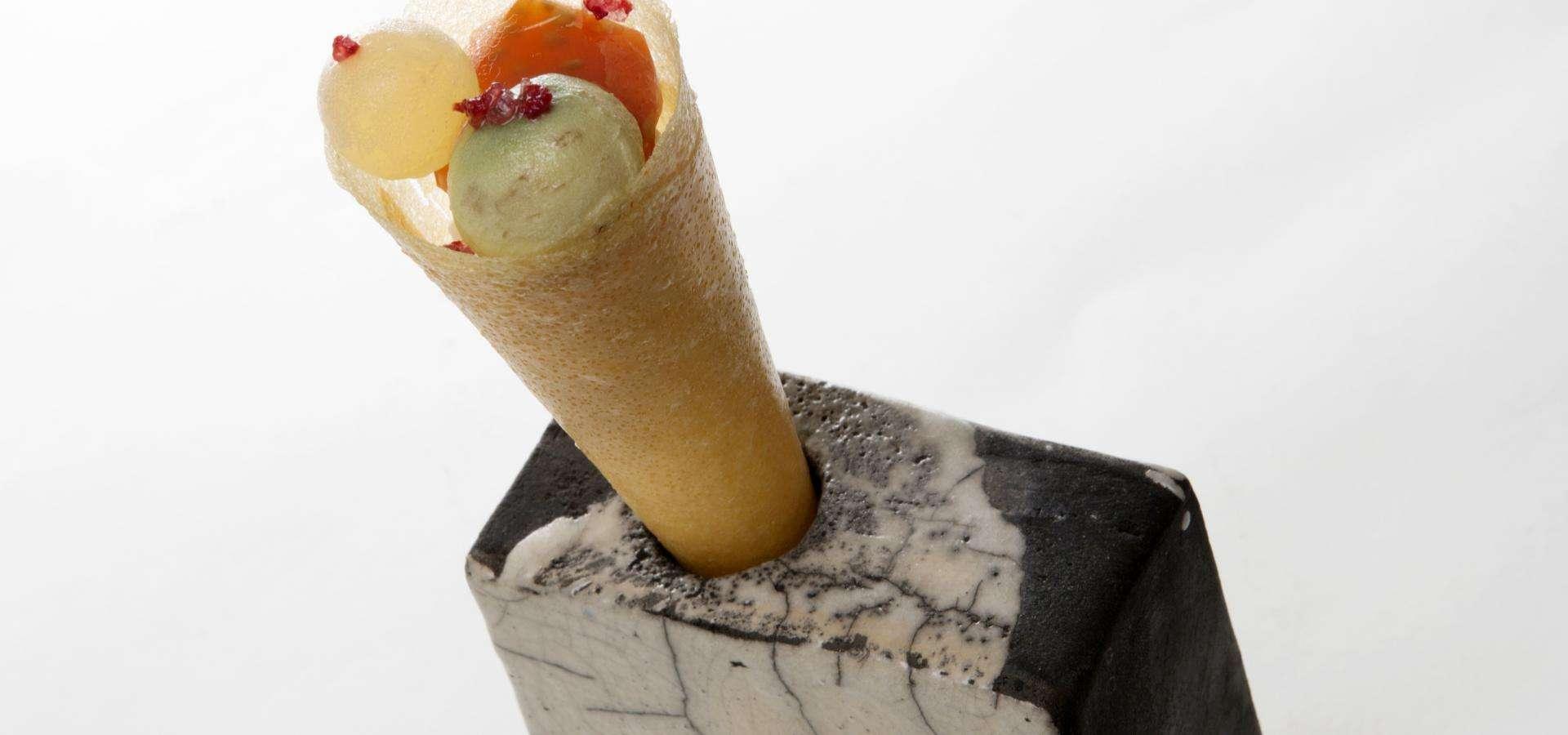 Geeistes Olivenöl aus Spanien / Aubergine / Tomatenherz / Himbeersalz