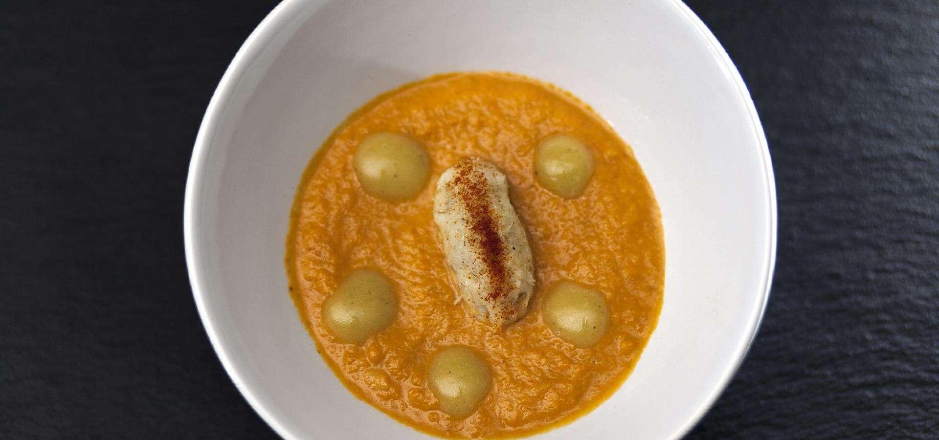 Möhrencremesuppe mit Stockfischpüree und dessen Pil Pil