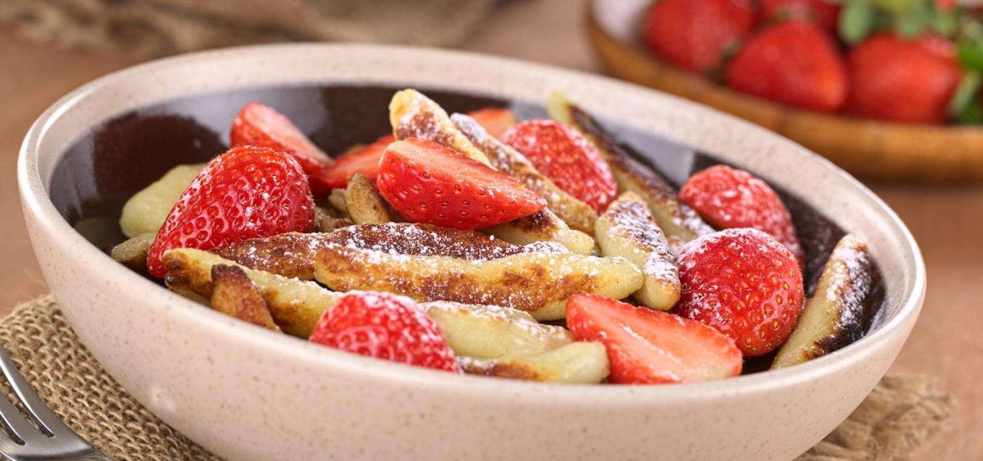 Schupfnudeln mit Erdbeeren