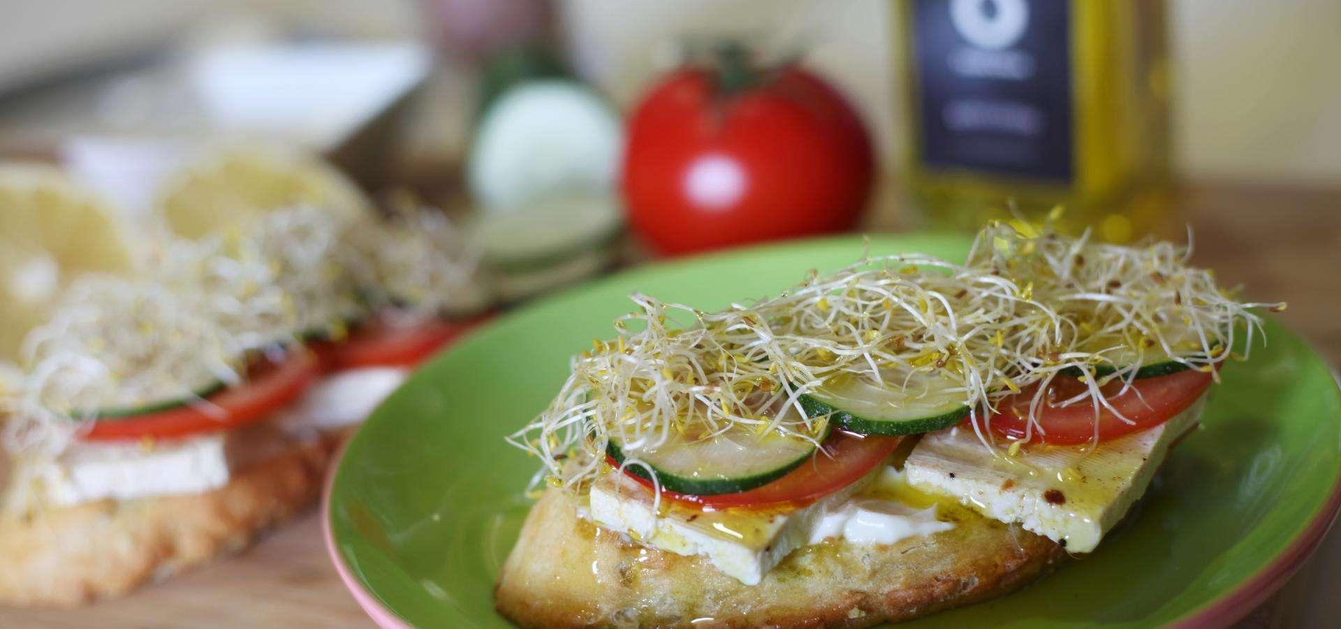 Toast mit Tofu und Gemuse
