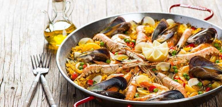 Traditionelle spanische Paella Rezept