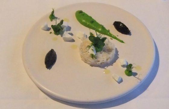 Taschenkrebs Erbse / Ziegenkäse / schwarze Olive