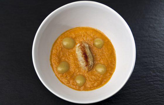 Möhrencremesuppe mit Stockfischpüree