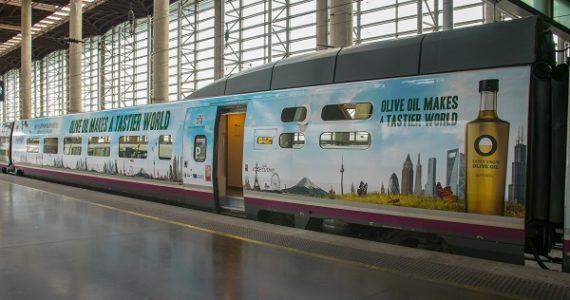 Präsentation des spanischen Hochgeschwindigkeitszugs (AVE) der Olivenöle